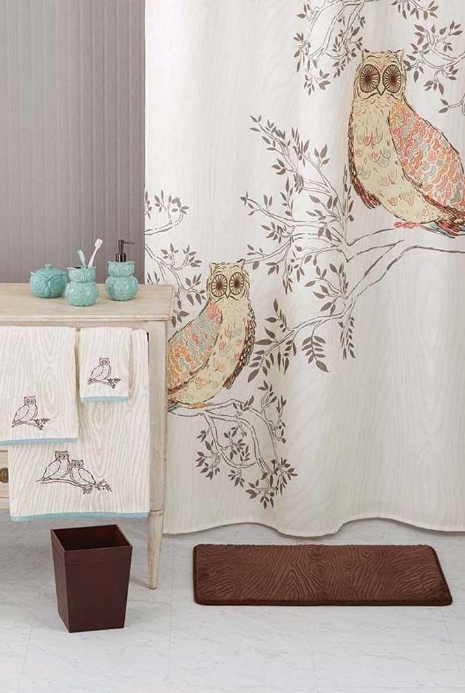 Falando em cortina... olha as corujas estampadas aí! Para combinar, toalhas bordadas com corujas