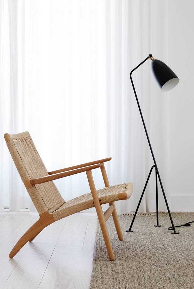 Luminária simples para sala, mas sem deixar de ser charmosa e super funcional