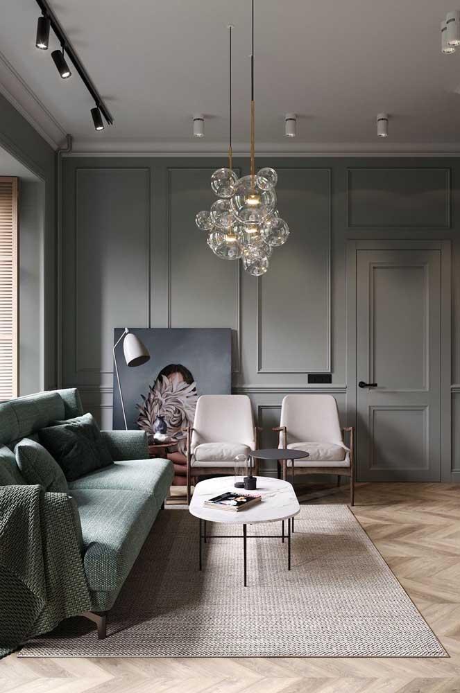 Linda inspiração de luminária pendente de teto com cúpulas de vidro. Elegante e moderna!