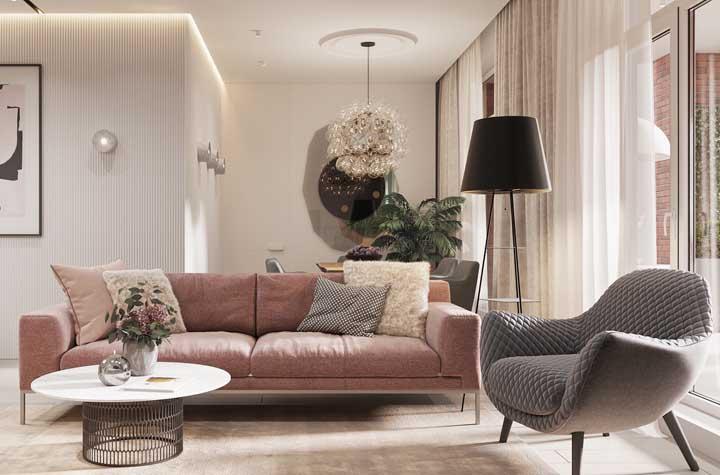 Luminária tripé para sala com prateleiras. Uma peça multifuncional, perfeita para ambientes pequenos