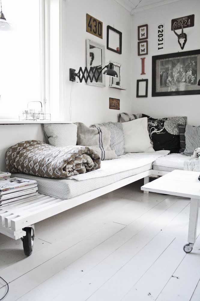 Sofá de pallet também pode ser clean