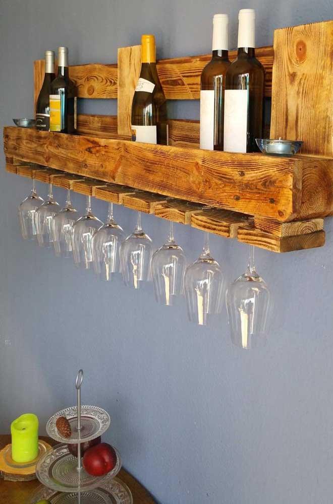 Um jeito criativo de expor suas bebidas e taças