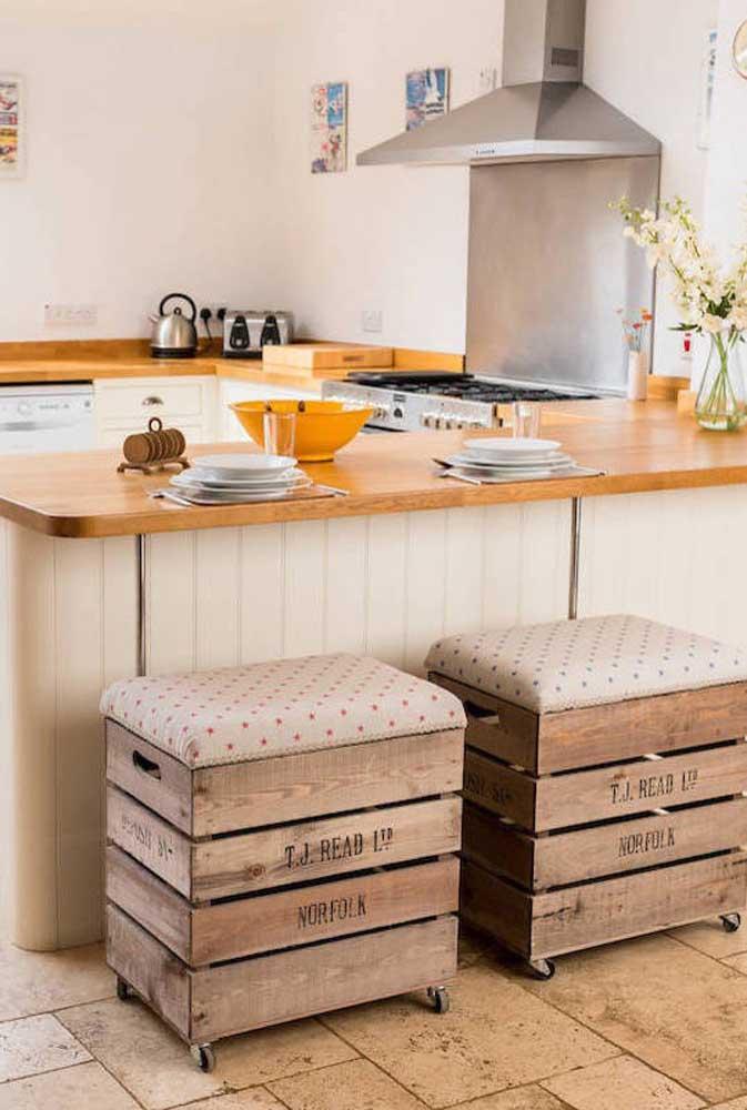 Banquinhos descontraídos para cozinha feitos de pallet