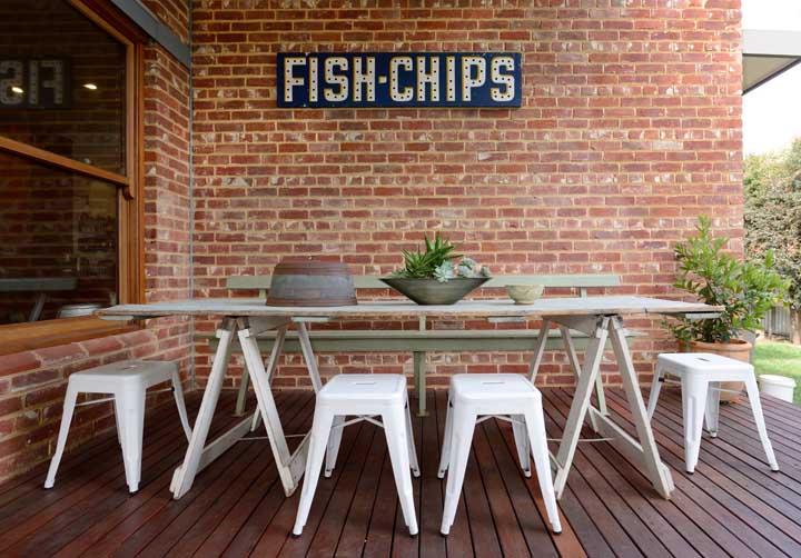 Mesa de jantar de pallet: rústica e moderna ao mesmo tempo