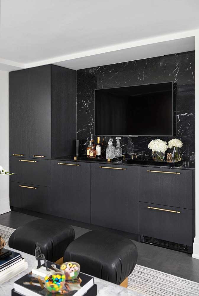 Mini barzinho preto, a cor da elegância