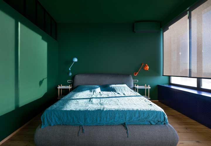 Em verde e azul