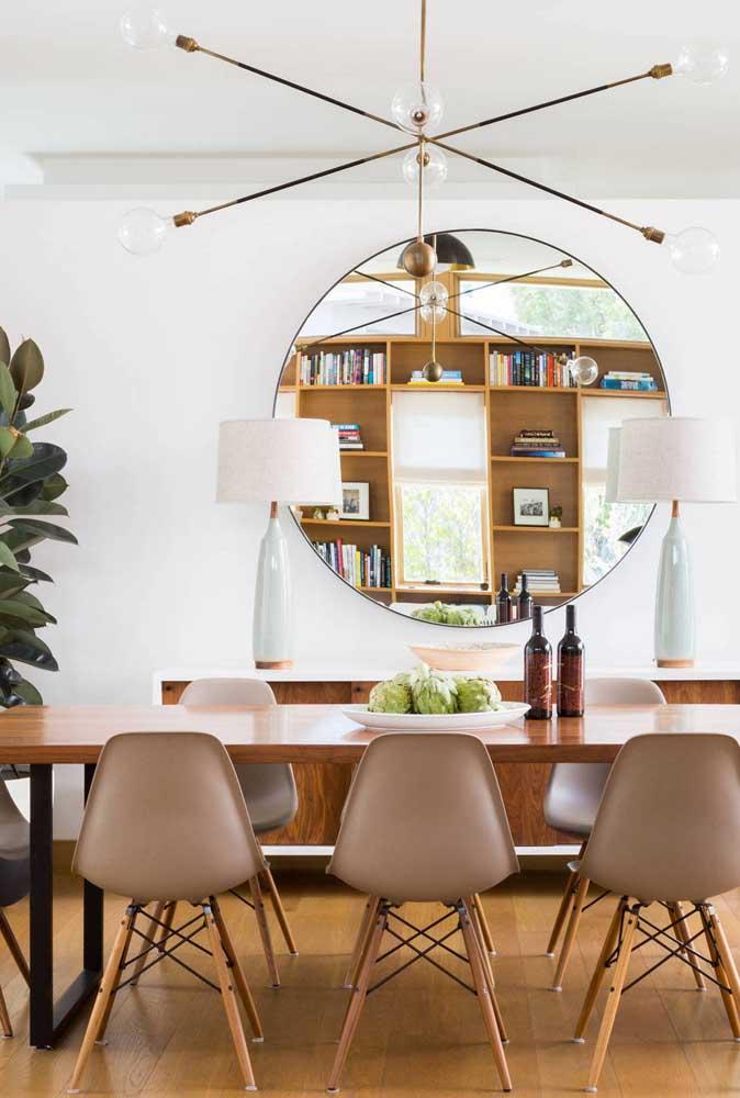 Truque para decoração de sala de jantar pequena: espelhos!