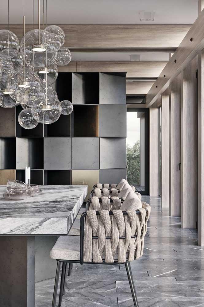E o que acha de uma mesa de mármore para a sala de jantar?