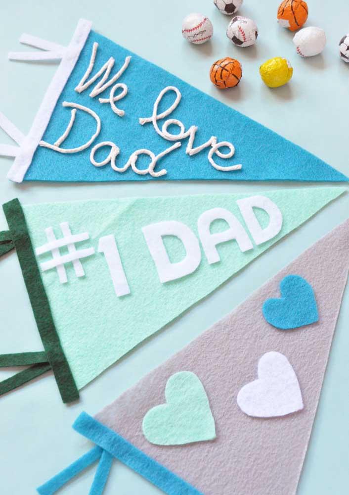 Bandeirolas de feltro para a decoração de dia dos pais