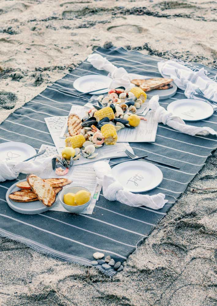 Já pensou em levar seu pai para comemorar na praia? Olha que ideia genial!