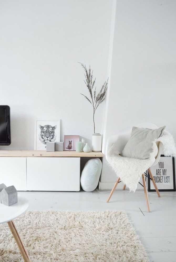 Enfeites brancos para a sala minimalista
