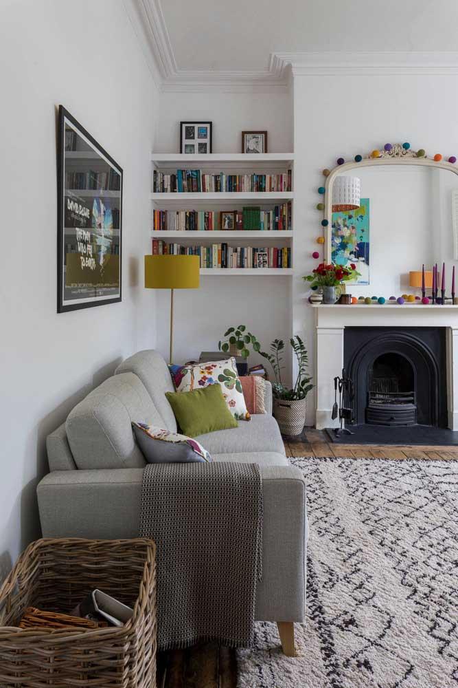 Cordão de pompons coloridos: enfeite para sala DIY