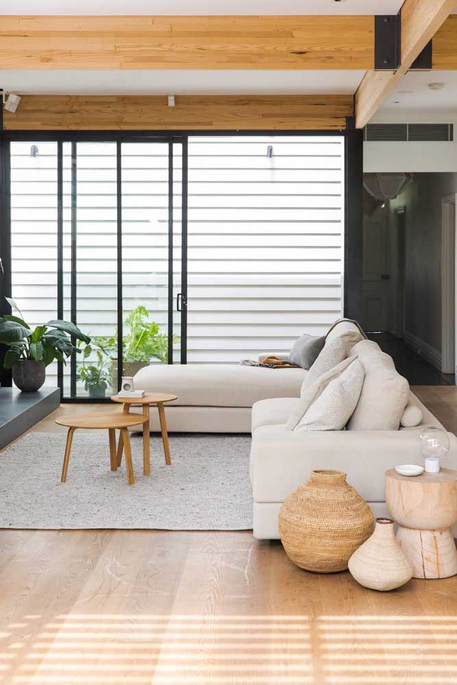 Enfeites de material natural para combinar com o estilo da sala