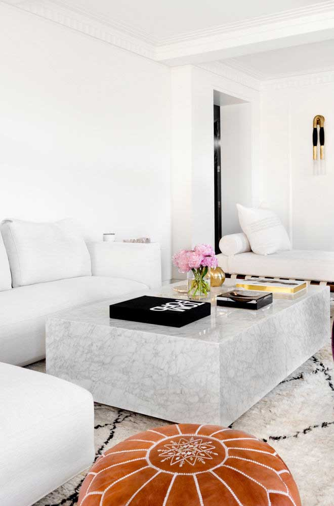 Enfeites para sala que valorizam a estética elegante do ambiente