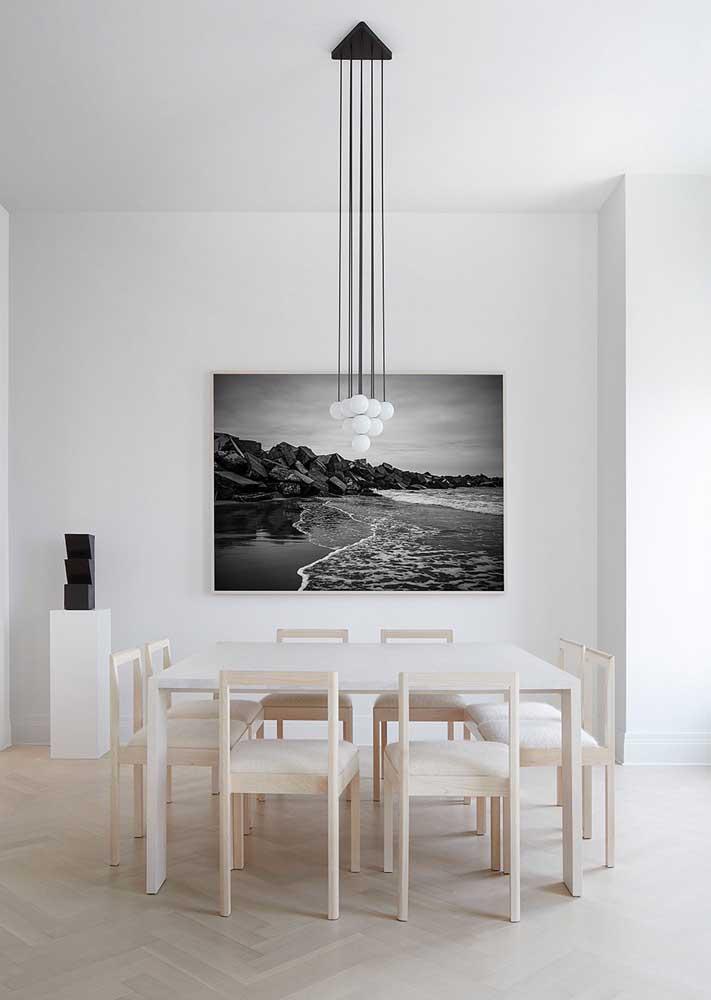 E para quem ama o estilo minimalista, uma sugestão incrível de luminária pendente