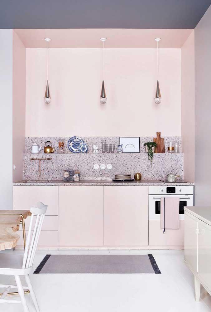 Trio de luminárias para a bancada da cozinha