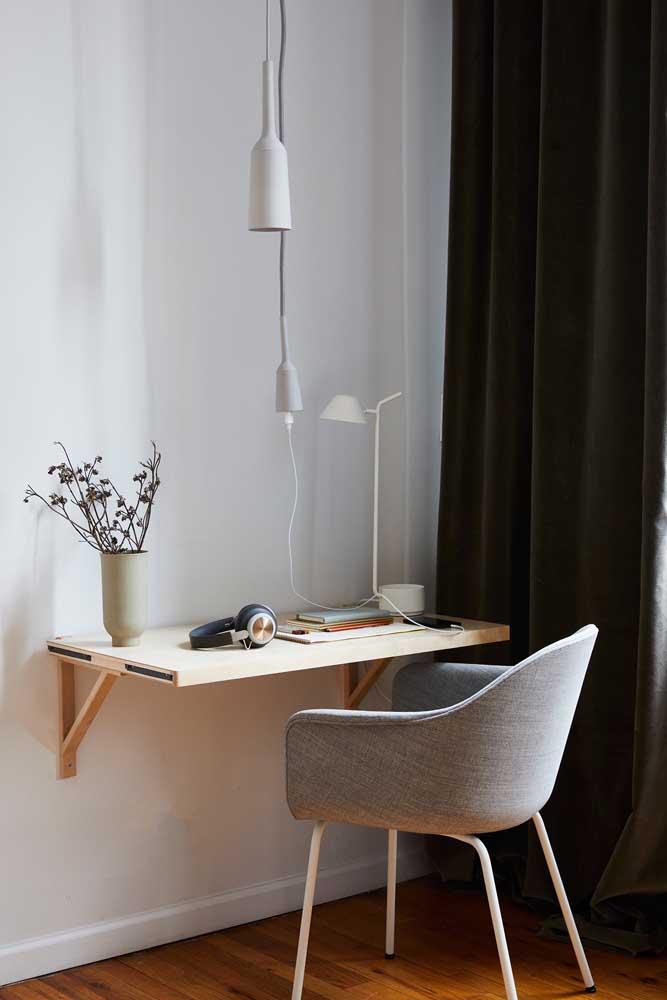 Luminária pendente sobre a escrivaninha: um reforço na iluminação para executar tarefas
