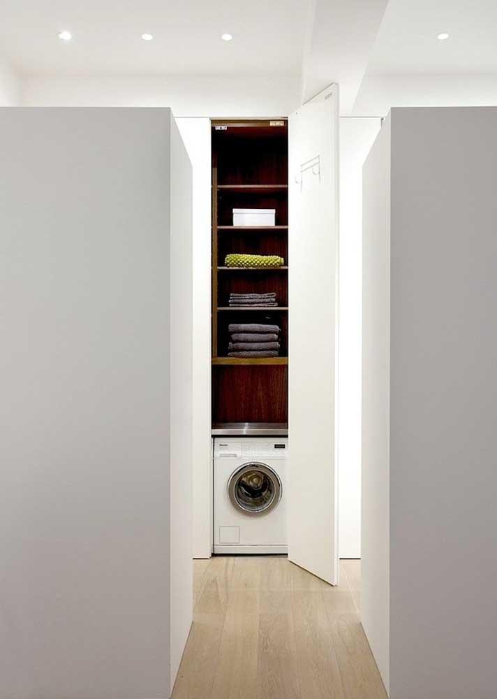 Ideia prática e funcional de área de serviço: armário embutido