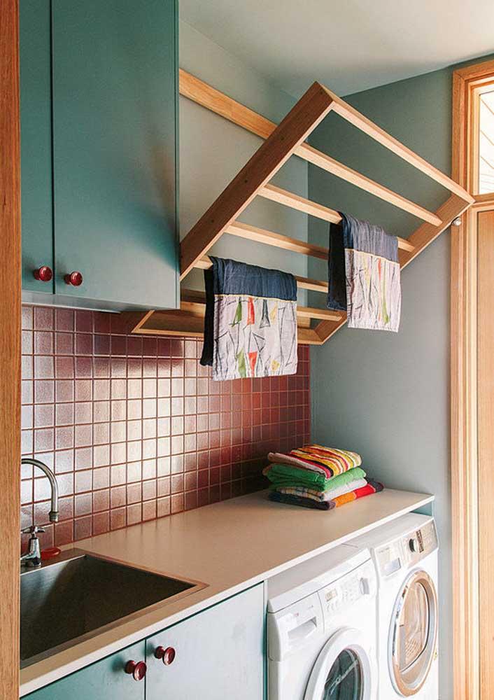 Para área de serviço pequena, o ideal é sempre buscar por opções que economizem espaço
