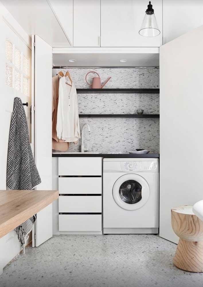 Um simples armário pode esconder toda sua área de serviço