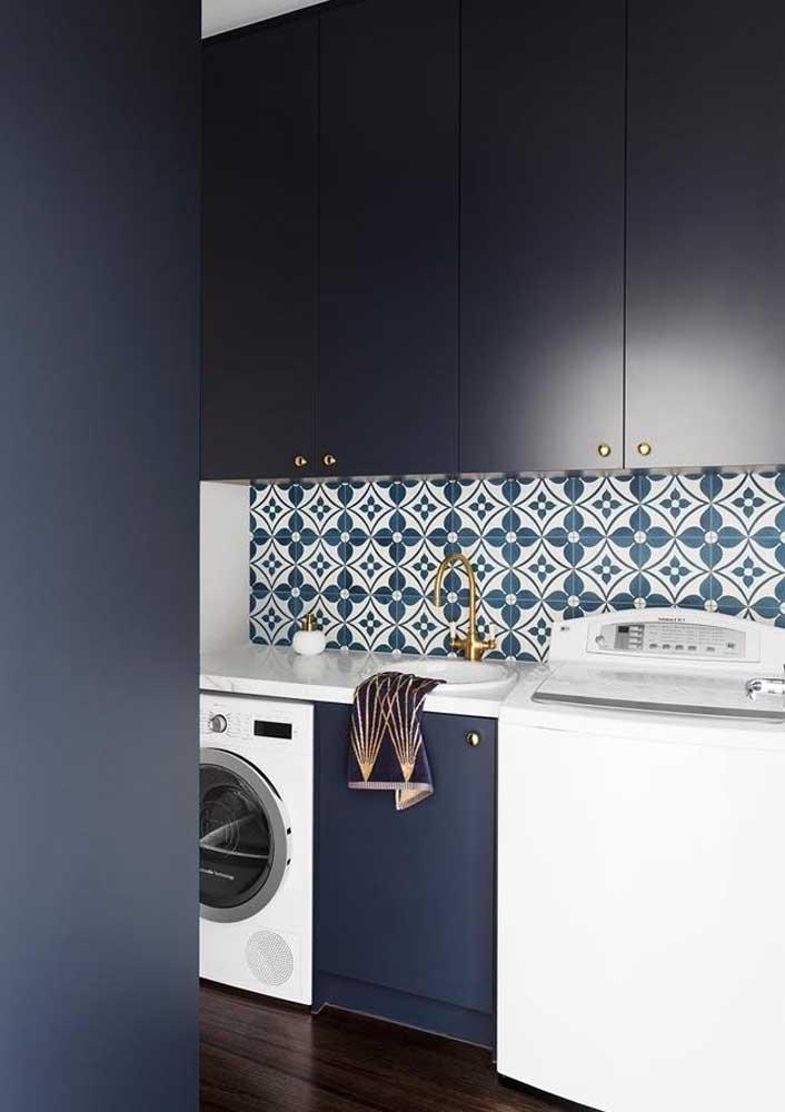 Mas se você deseja algo elegante e sofisticado, então invista em uma área de serviço azul