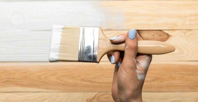 Como pintar móveis de madeira