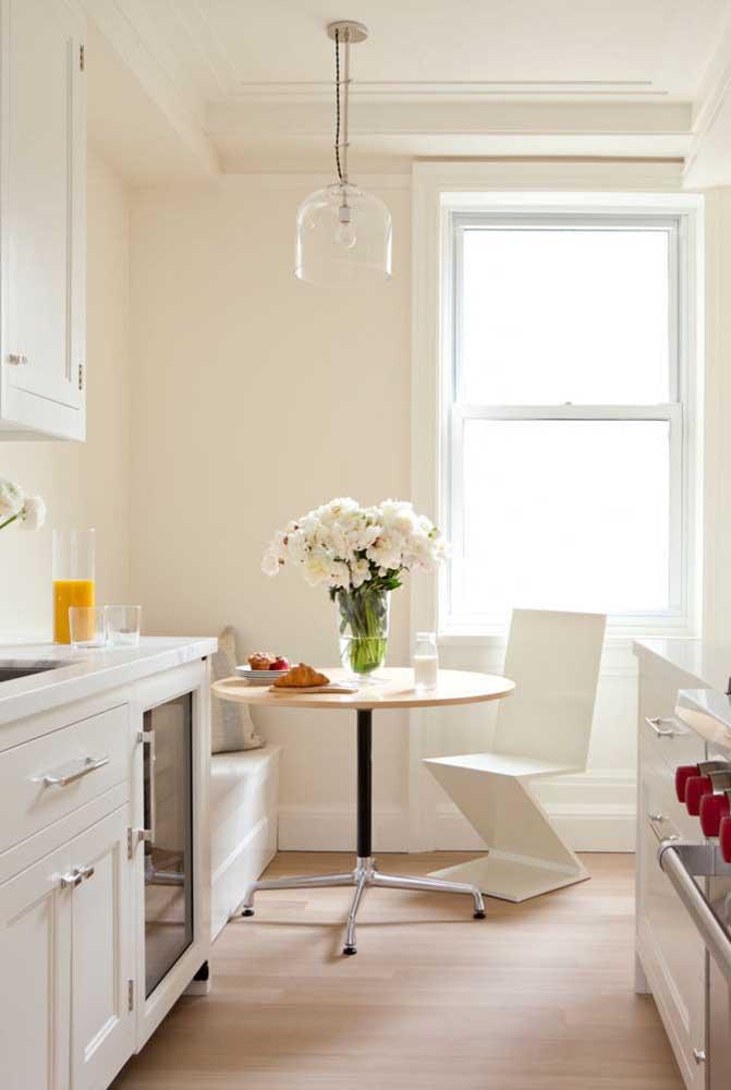 A cozinha com sala de jantar é pequena, mas o charme é gigante!