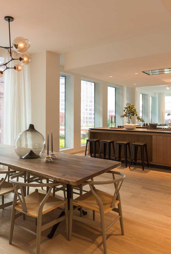 Tons quentes para deixar a cozinha americana com sala de jantar mais aconchegante