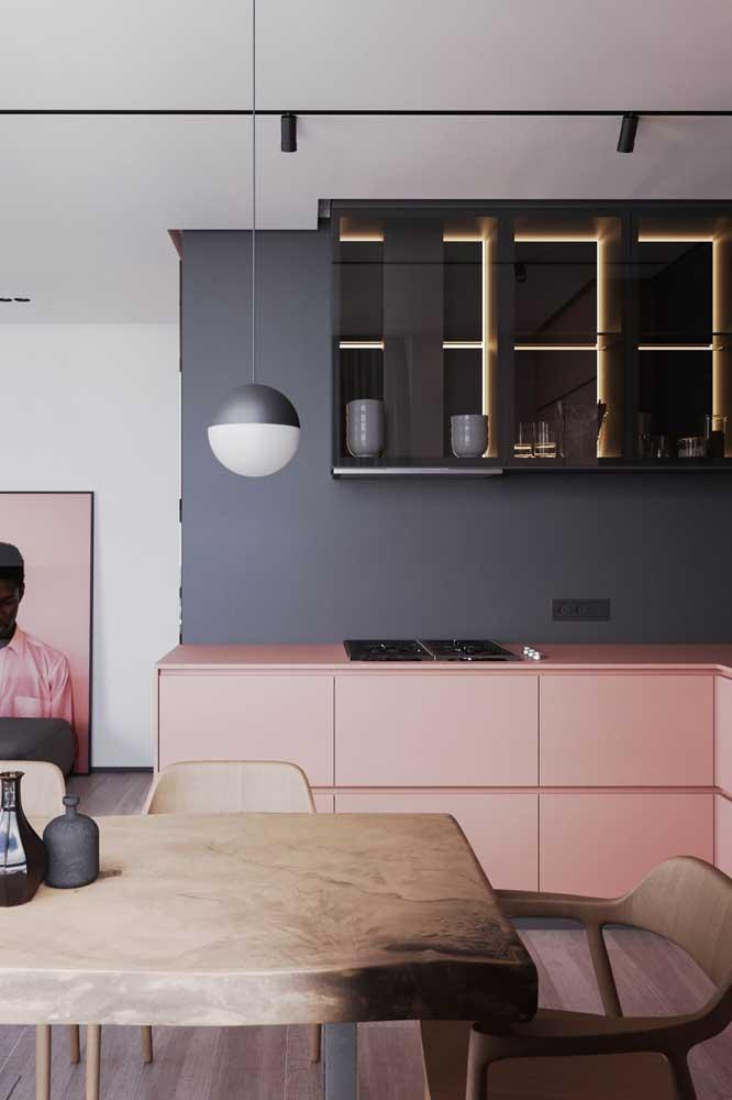 Cozinha americana com sala de jantar em L. Opções não faltam para esse tipo de projeto