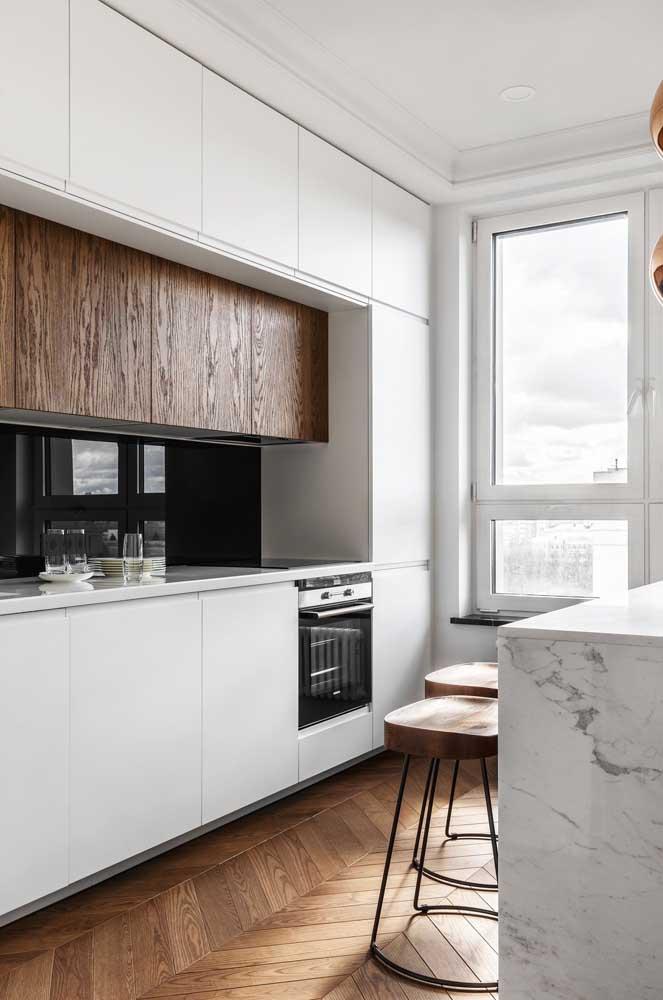 Piso de madeira para cozinha branca