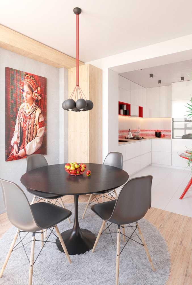 Um quadro para sala de jantar traz cor, vida e, muitas vezes, um grande significado para os moradores