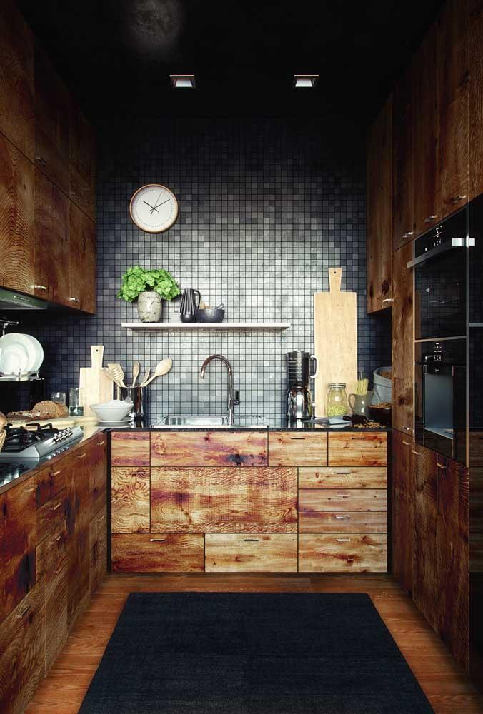 Uma cozinha pequena, mas cheia de estilo para mostrar