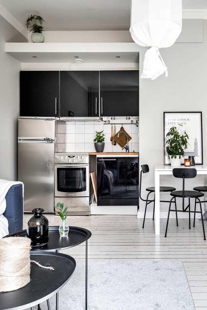 Decoração de cozinha pequena integrada à sala de estar e jantar