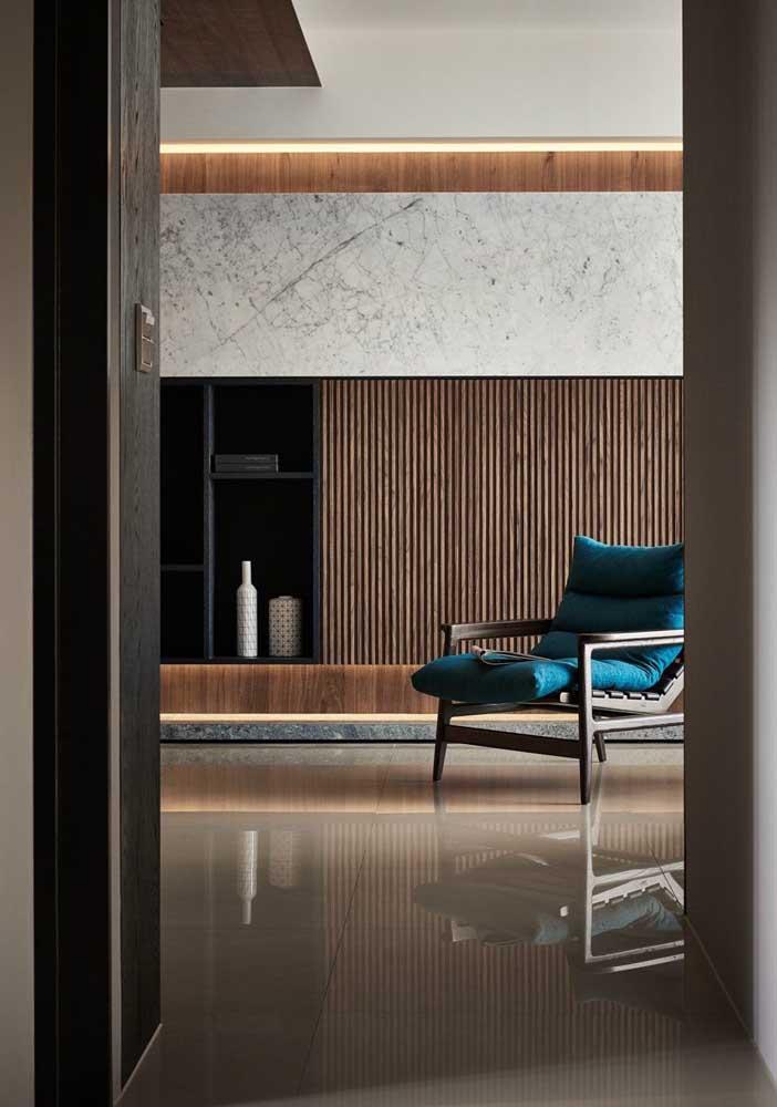 Poltrona decorativa reclinável. Um modelo perfeito para quem deseja relaxar ou fazer uma leitura