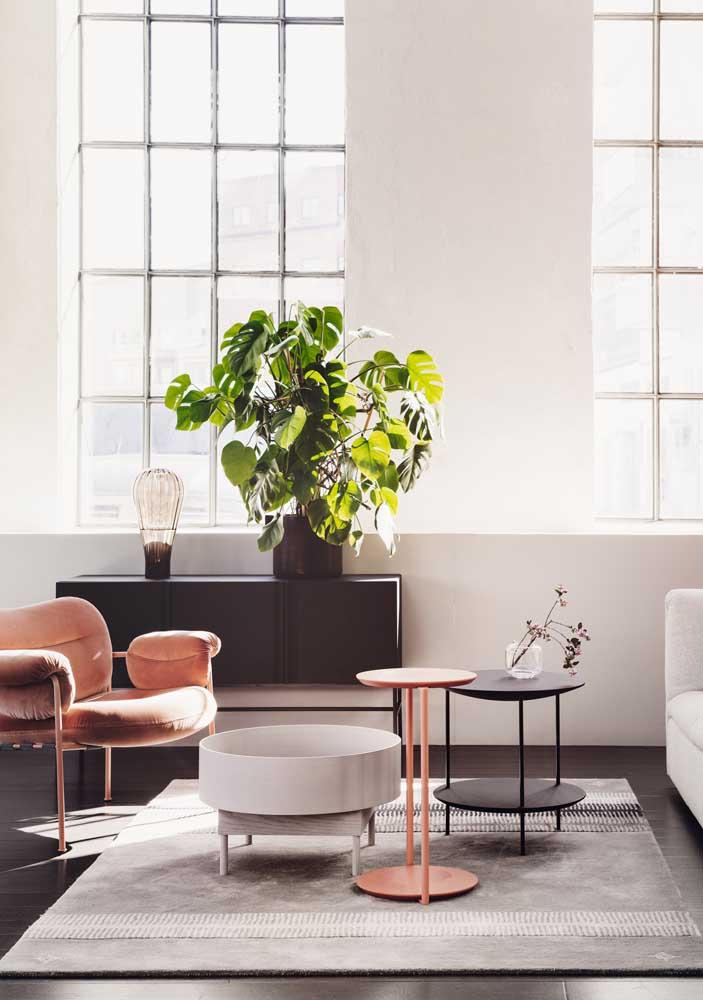 Poltrona combinando com a mesa de centro da sala de estar