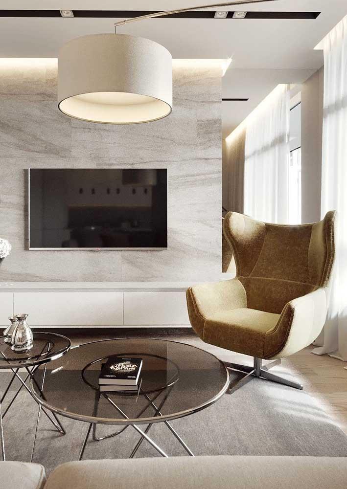 Poltrona decorativa giratória para a sala de estar