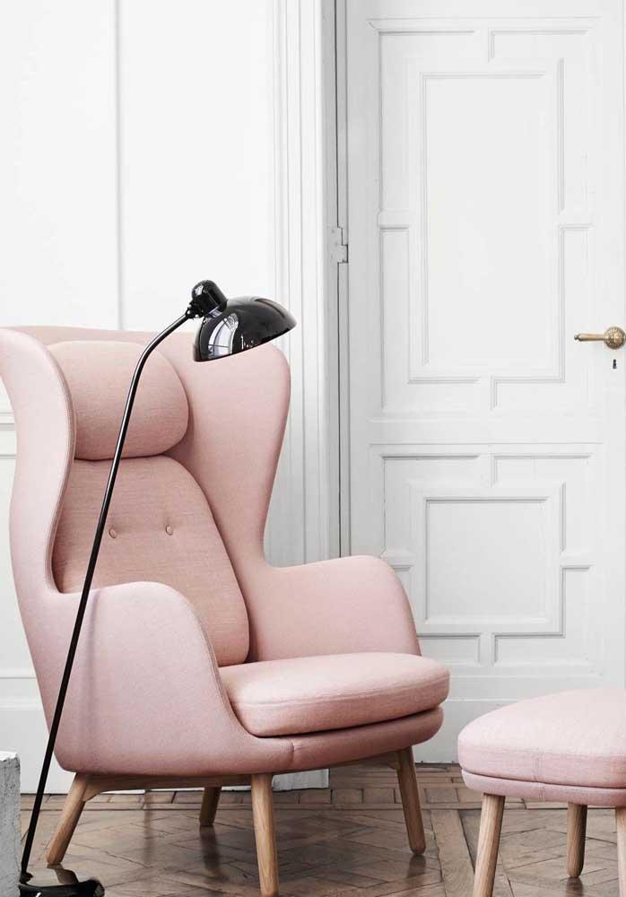 O que acha de uma poltrona cor de rosa?