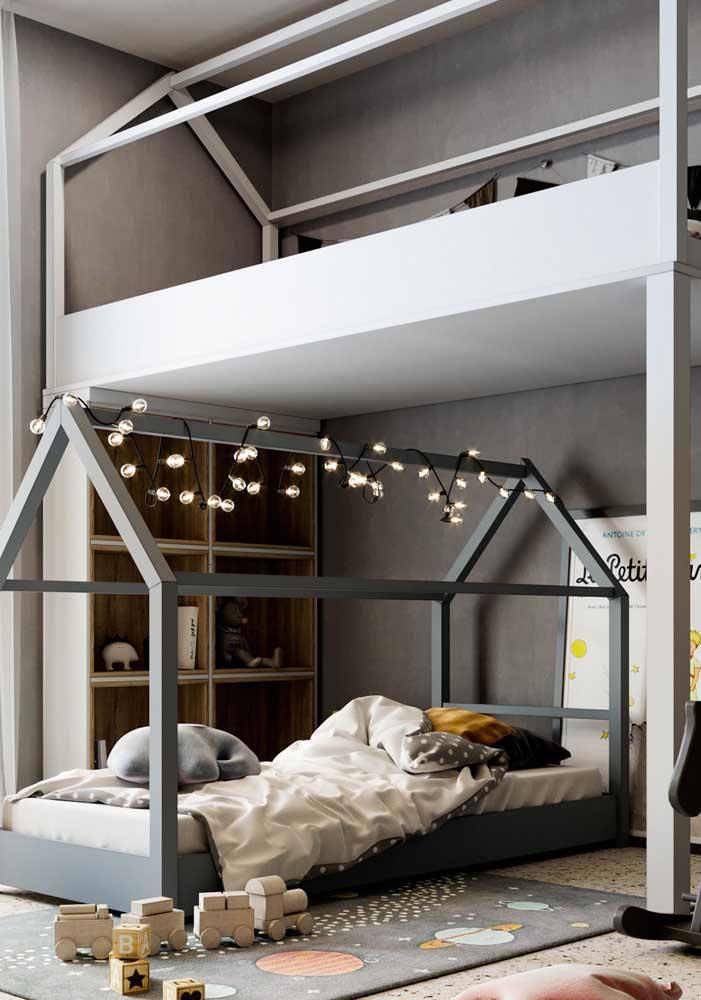 Quarto decorado infantil com camas estilo casinha