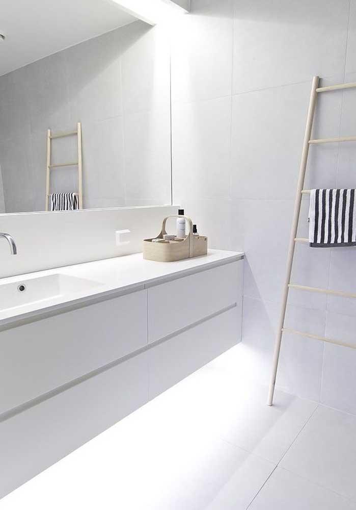 Revestimento branco para banheiro: o preferido!