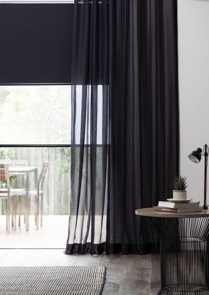 Cortina de voil preto para um ambiente mais sofisticado