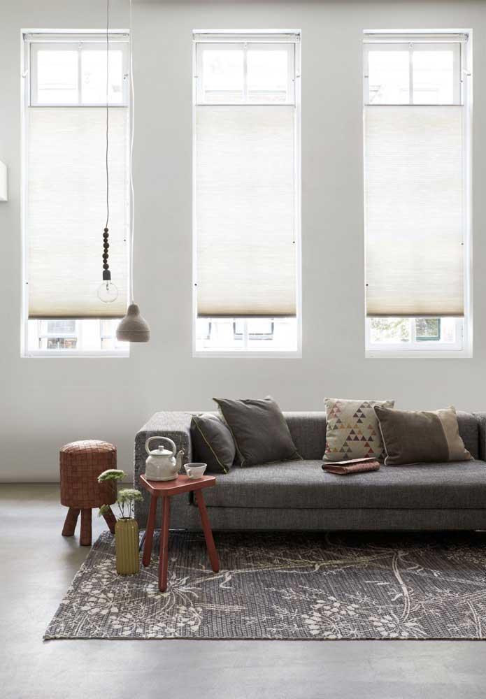 A cortina duofold pode ser feita sob medida atendendo a todo tamanho de janela