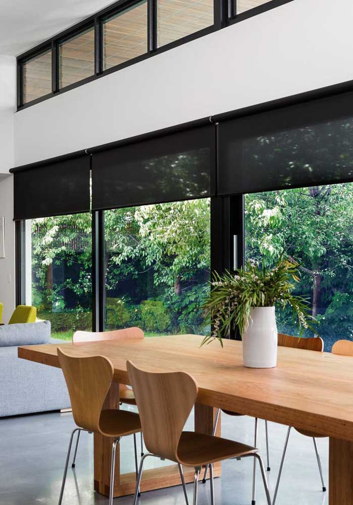 A sala de jantar também pode se beneficiar da cortina blackout