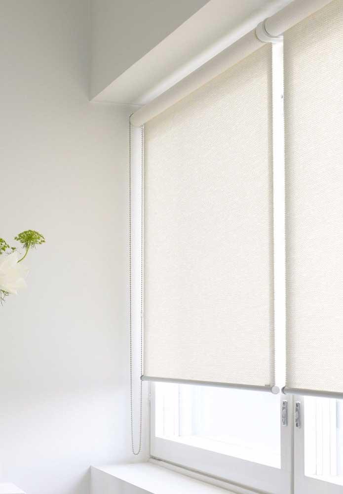 Cortina de rolo branca: clássica, clean e elegante