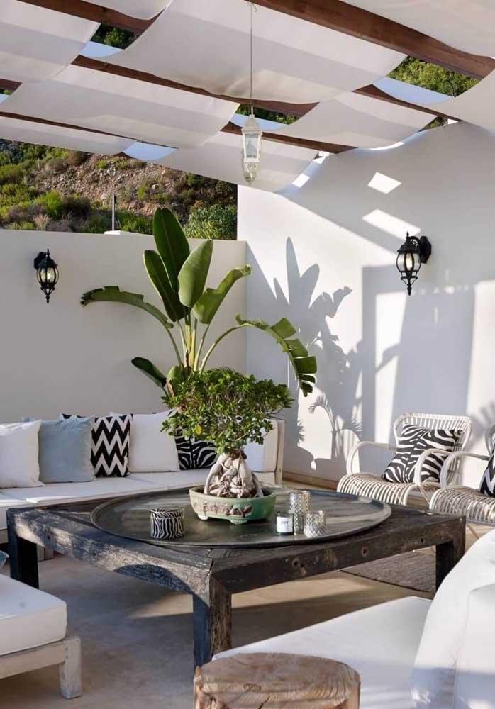Cortinas de teto para área externa: conforto garantido