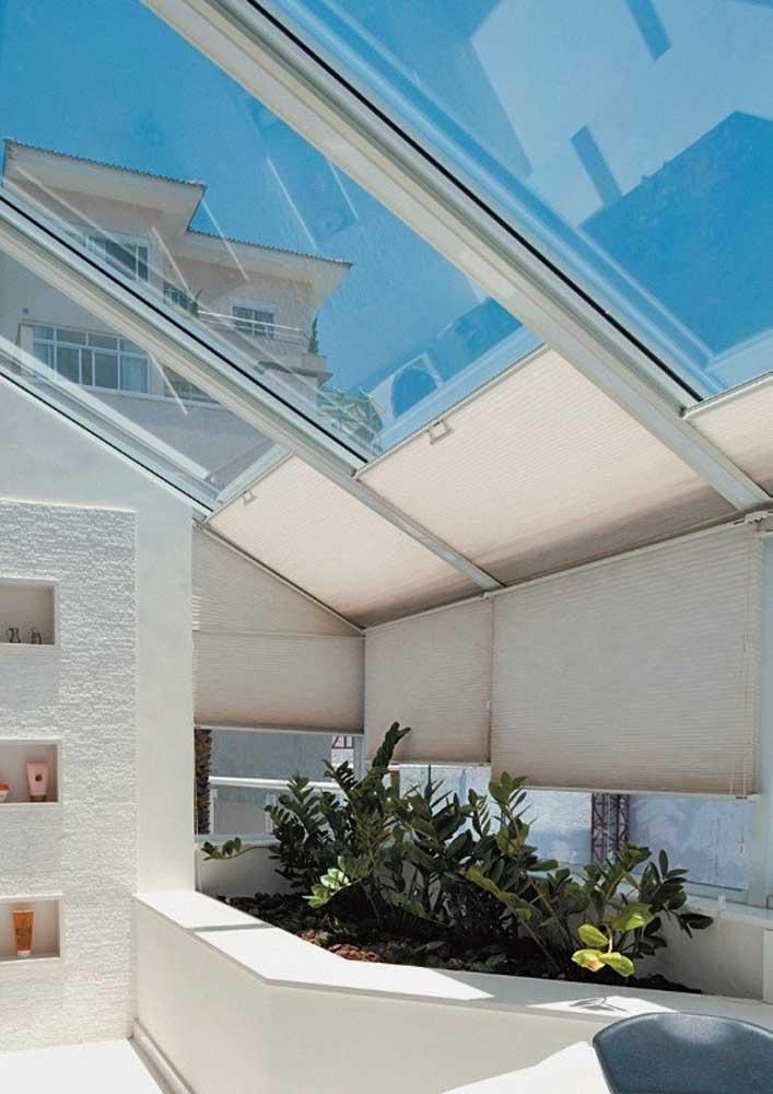Cortinas de rolo para o teto e as paredes