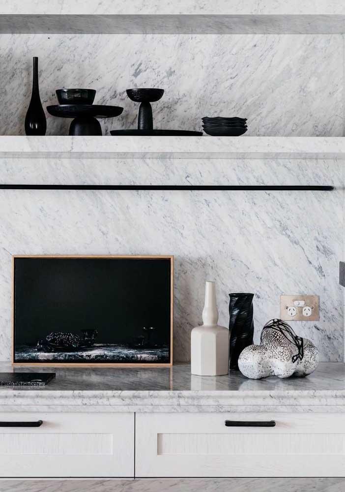 Os móveis também podem ser fabricados em mármore