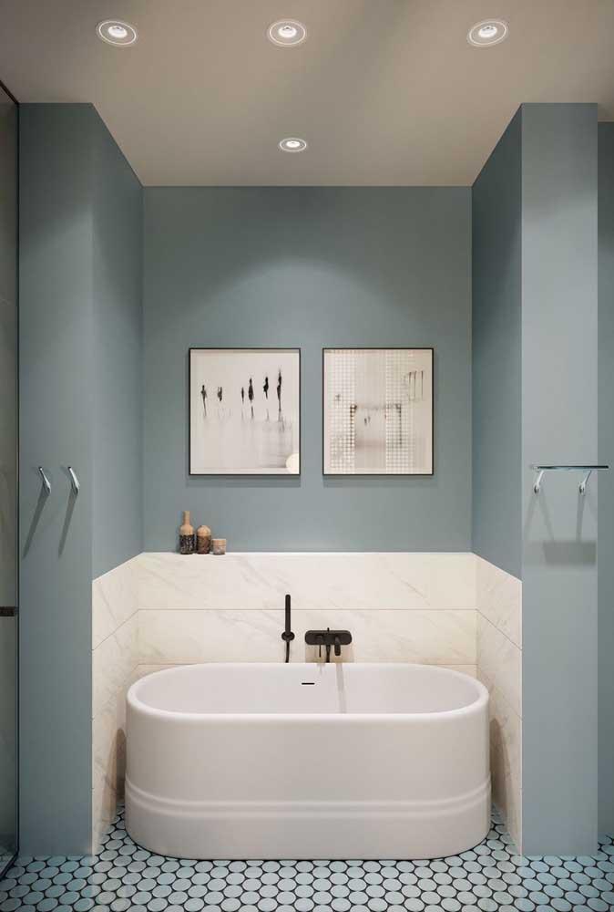 Banheira pequena oval para aquele cantinho sem uso do banheiro