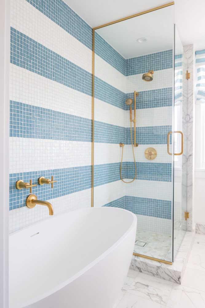 Banheira vitoriana para o banheiro pequeno e moderno
