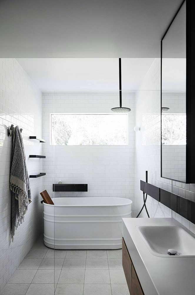 Inspiração de banheira pequena e super descolada