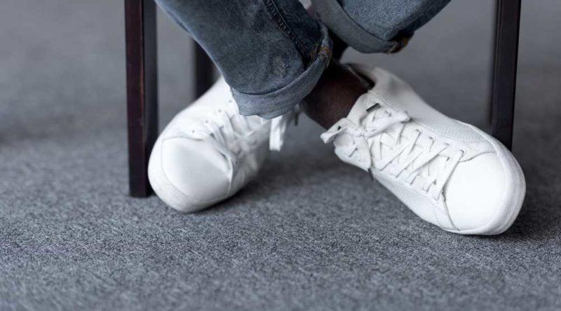 Como limpar tênis branco: veja o passo a passo e dicas práticas